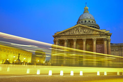 Panthéon with Bus