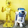 Yes we made R2D2 and C3PO !!!!! #animechibisen #picoftheday #instafamous #starwars #pinata #r2d2 #c3po #handmade