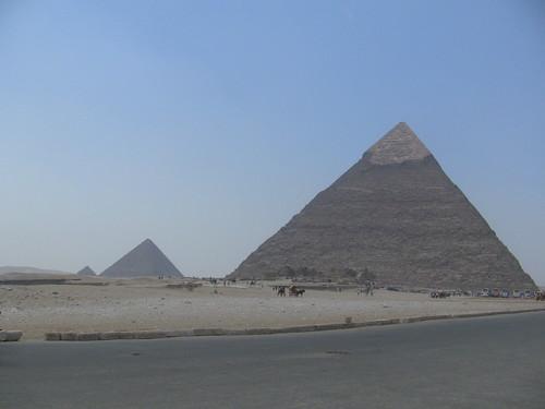 45063101-pyramids_1