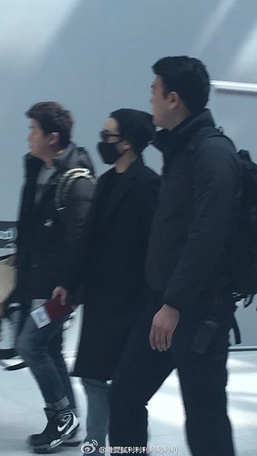 Big Bang - Harbin Airport - 22mar2015 - Seung Ri - 唯愛膩利利利利利利利 - 03