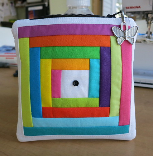 Single button pouch