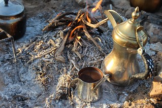 لا أستغني عن القهوه العربيه والتركيه