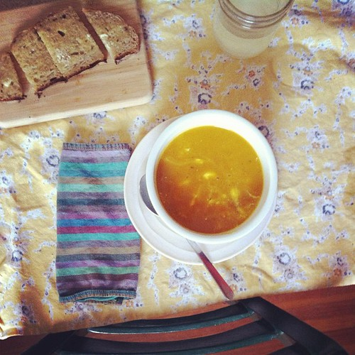 snowy day soup -1 butternut squash 1 onion 2 Fugi apples I TBSP curry powder pinch of cayenne s&p blend = best soup ever.  thank you @dinneralovestory (a dollop of sour cream too)