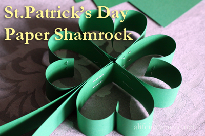 St. Patrick's Day Paper Shamrock - This St. Patrick's Day Paper Shamrock is an easy paper craft, perfect for preschool and up. You can make it with or without the stem. Link the shamrocks together if you decide to skip the stem and make a St. Patrick's Day garland.
