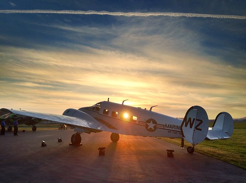 sunset vintage airplane airport aircraft matthieu napa 18 beechcraft dupont beech iphone uploaded:by=flickrmobile flickriosapp:filter=nofilter