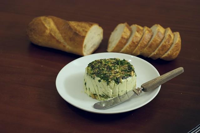 """Green"" Cashew Cheese Spread"
