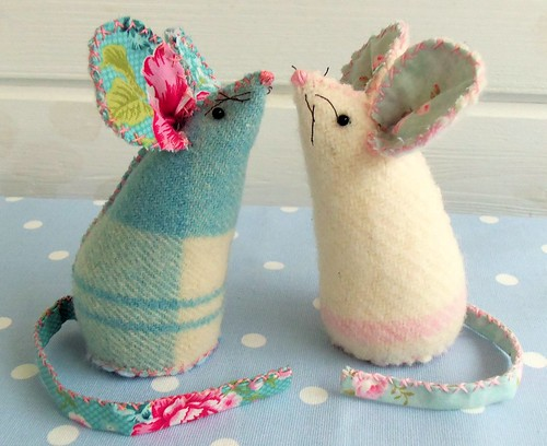 fabric mouse pin cushions
