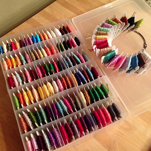69:365 Finally organized my thread & ready to start the #springtimesampler