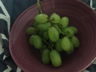 Grapes pre-breakfast