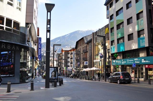 El día de Shopping recorrimos las calles más comerciales con chófer incluído Andorra, #experiencia mucho más que nieve - 8581079580 c0f9071647 z - Andorra, #experiencia mucho más que nieve