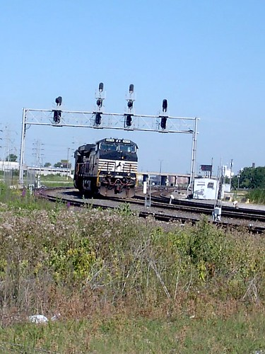 Eastbound Norfolk Southern light engine movement approaching Hayford Junction.  Chicago Illinois.  July 2007. by Eddie from Chicago