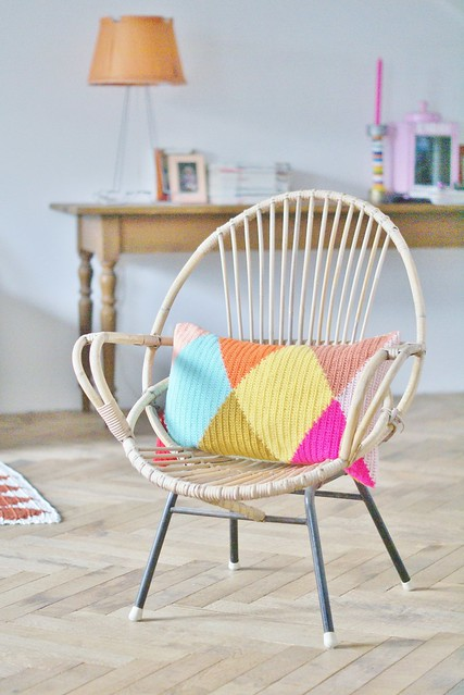 wood & wool harlequin pillow 002