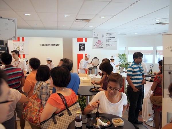 savour 2013 - singapore - gourmet market (138)