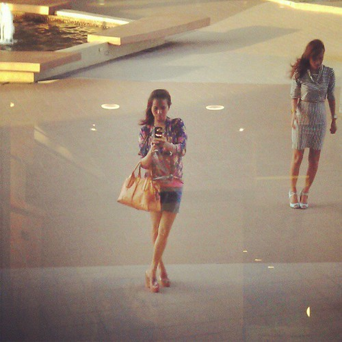 #fashion challenge how to #OOTD pag mahangin sa labas @paxieness  at Prism Tower :)
