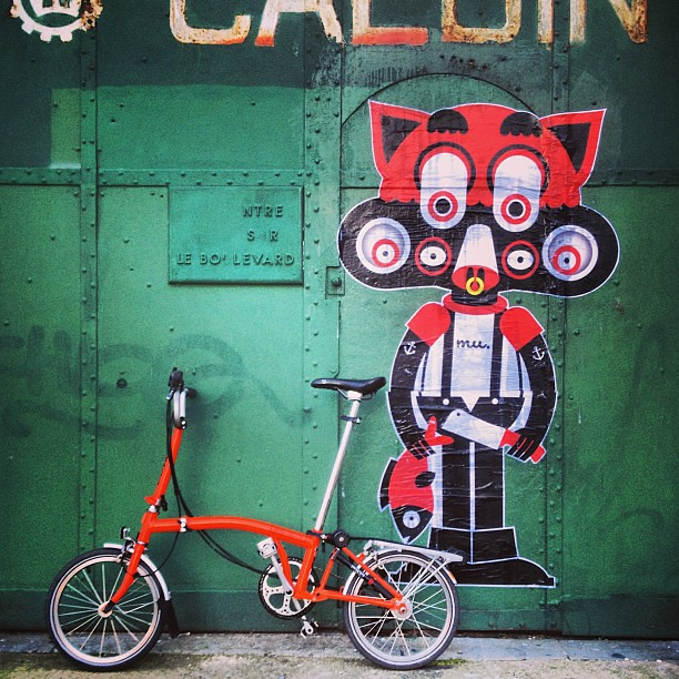 #mikko_umi @mikko_umi #art #door #green #brompton #cat #fish #red #knife #bicycle #dunkerque