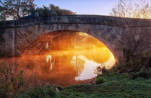 mist thames sunrise river landscape dawn nikon cotswolds gloucestershire riverthames halfpennybridge d60 lechlade lechladeonthames jactoll nikcolorefexpro4