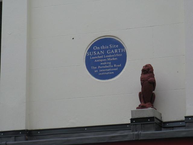 Photo of Portobello Road Market and Susan Garth blue plaque