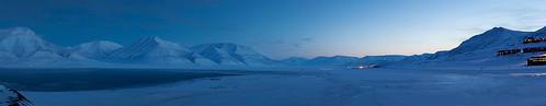 blue winter panorama cold norway norge vinter january svalbard spitsbergen januar longyearbyen spitzbergen