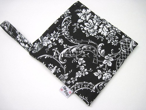 Black and White Floral New Style Mama Wet Bag
