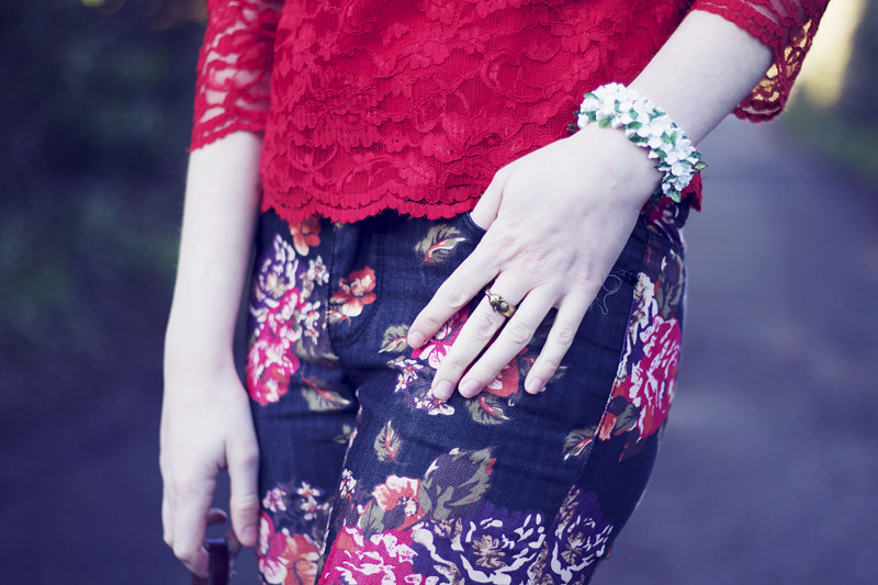 white floral bracelet and h&m raccoon animal ring