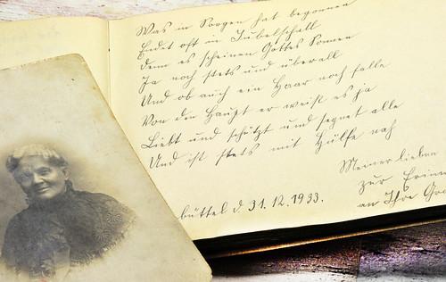 Poesiealbum Quaste Troddel alt Sütterlinschrift Kurrentschrift Fotographie