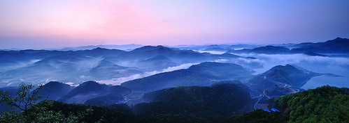 trip travel lake nature clouds sunrise landscape dawn tour korea southkorea 韓國 한국 대한민국 republicofkorea 大韓民国 республикакорея okjeongho républiquedecorée poblachtnacóiré okjeongholake
