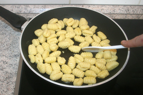 40 - Gnocchi anbraten / Roast gnocchi