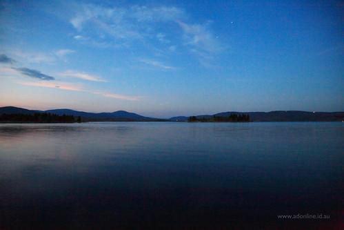 lake water night rural evening town twilight dusk country australia nsw newsouthwales jindabyne lakejindabyne