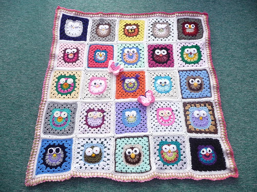 'SIBOLETTES' were invited to make an Owl Square by mandas' challenges. Today I received the Blanket back. Wow! Thank you all so much!