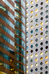 """曲線與圓點: 交易廣場與怡和大廈 Curves vs Dots: Exchange Square vs Jardine House"" / 香港金融建築之形 Hong Kong Financial Architecture Forms / SML.20130326.7D.36607"