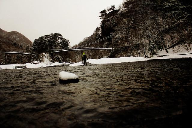 吹き割りの滝_15