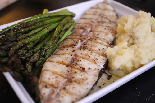 Grilled Halibut and Asparagus with Mashed Potatoes
