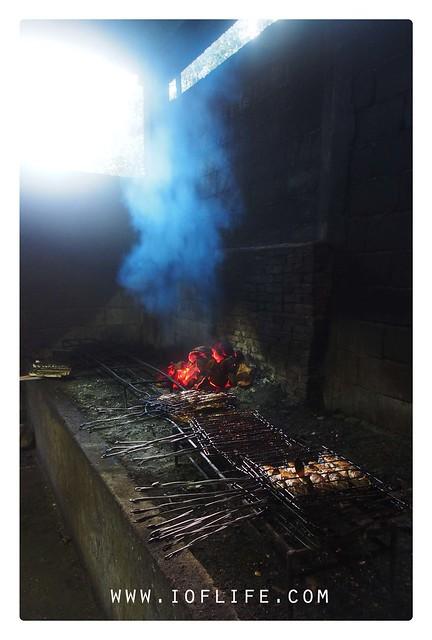 Membakar ikan sukur manado