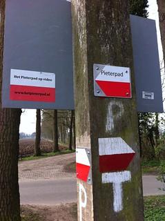 46-2012-0406 pieterpad-route-14-knopenlaantje