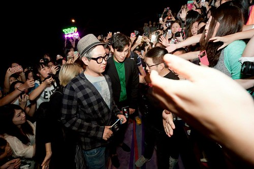TOP-MCL-StageGreeting-HK-20140927_8