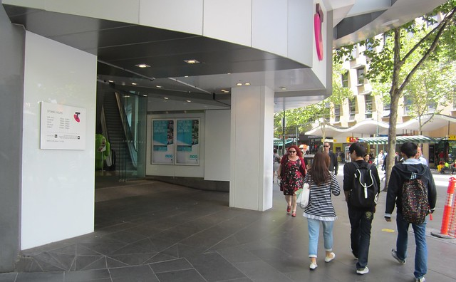 Telstra shop, Swanston/Bourke Sts
