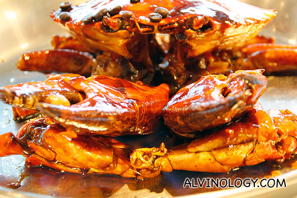 You can actaully see the flame on the crab shell while it is being flambeed - can you see the blue hue under the pinchers?