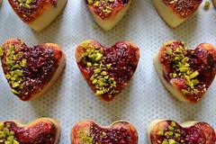 Coeur de financier framboise, pistcahe et hibiscus