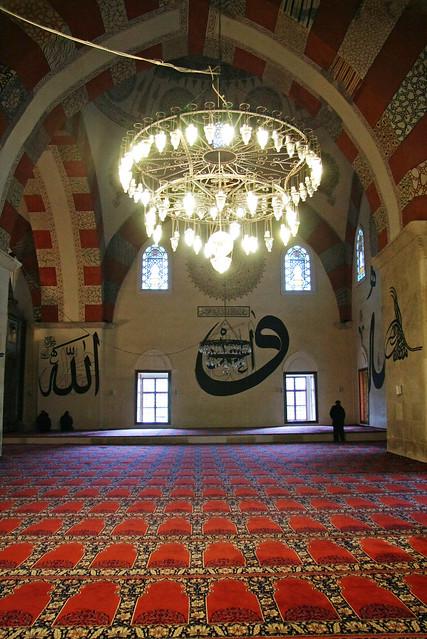 Interior of Eski Mosque, Edirne, Turkey エディルネ、エスキ・ジャーミー内部
