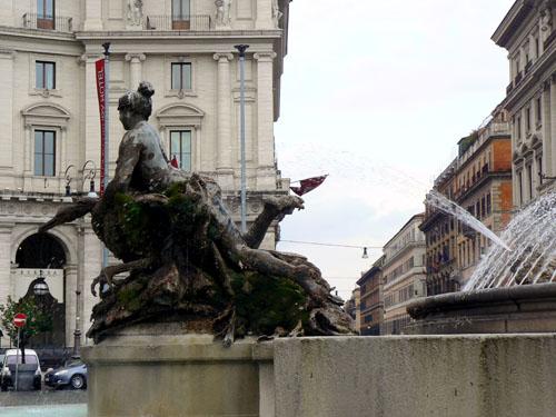 statue place de la république.jpg