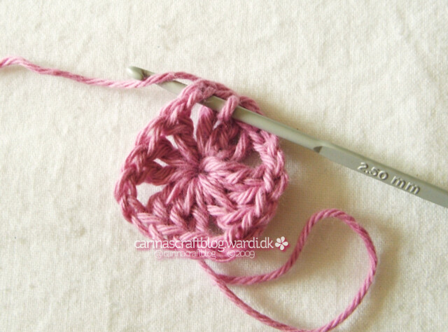 Crochet granny square tutorial - 7