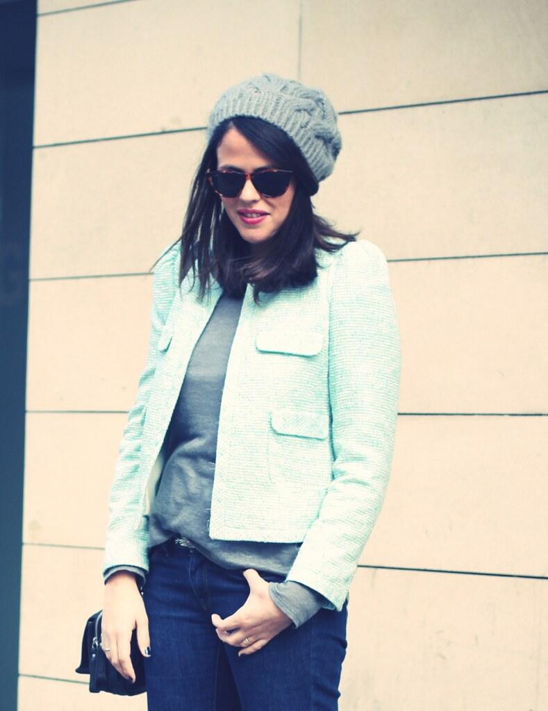 Look blazer azul + gorro gris - Monicositas 4