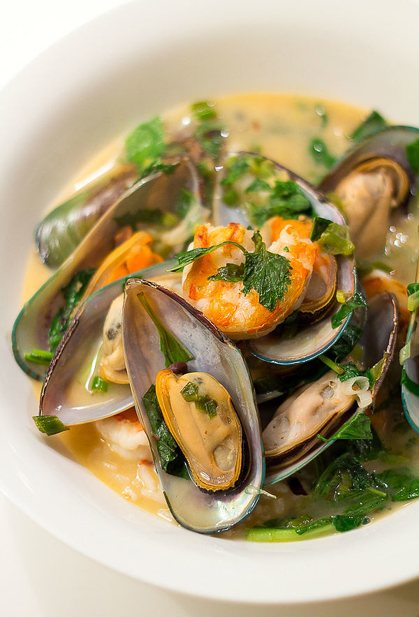 Vietnamese Mussels and Prawns in Spicy Coconut Sauce
