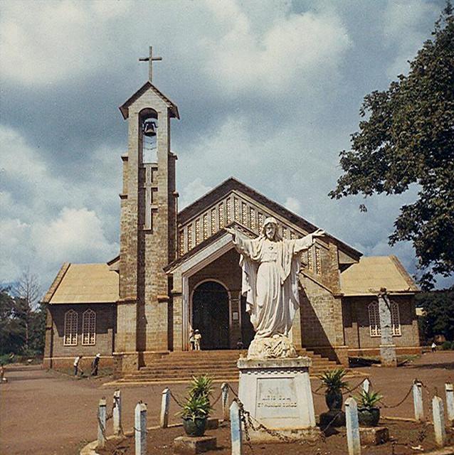 170[1] Ban Me Thuot Catholic Cathedral - Nhà thờ Chánh tòa Giáo phận BMT 1969