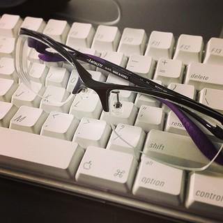 新しいメガネ。