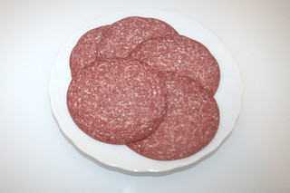 02 - Zutat Salami / Ingredient salami