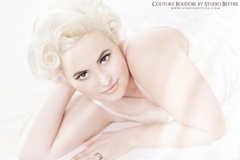Marilyn Monroe Boudoir 3
