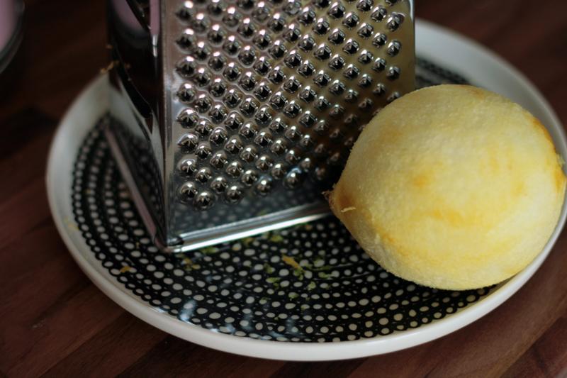 raasta sitruunasta kuori