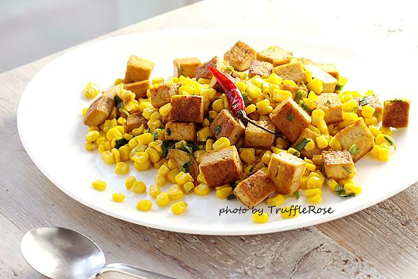 玉米豆腐炒 & 香滷一口豆腐-20130401