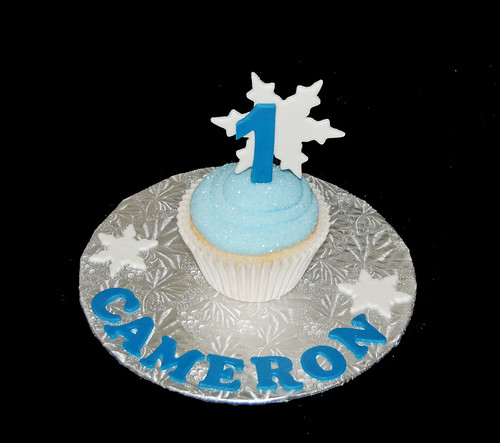 1st birthday winter wonderland personalized jumbo smash cupcake